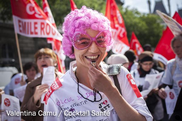 Les syndicats de l'Assistance publique-Hôpitaux de Paris réclament «le retrait pur et simple du projet de réorganisation du temps de travail» et ont appellé à une grève massive jeudi 28 Mai 2015 à Paris